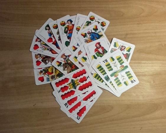 A szív királynő üti a tök alsót - magyar kártyajóslás (képes kártyamutatóval)