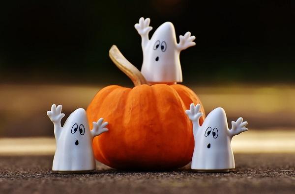 Halloween-i torta - sütötökkel és dióval