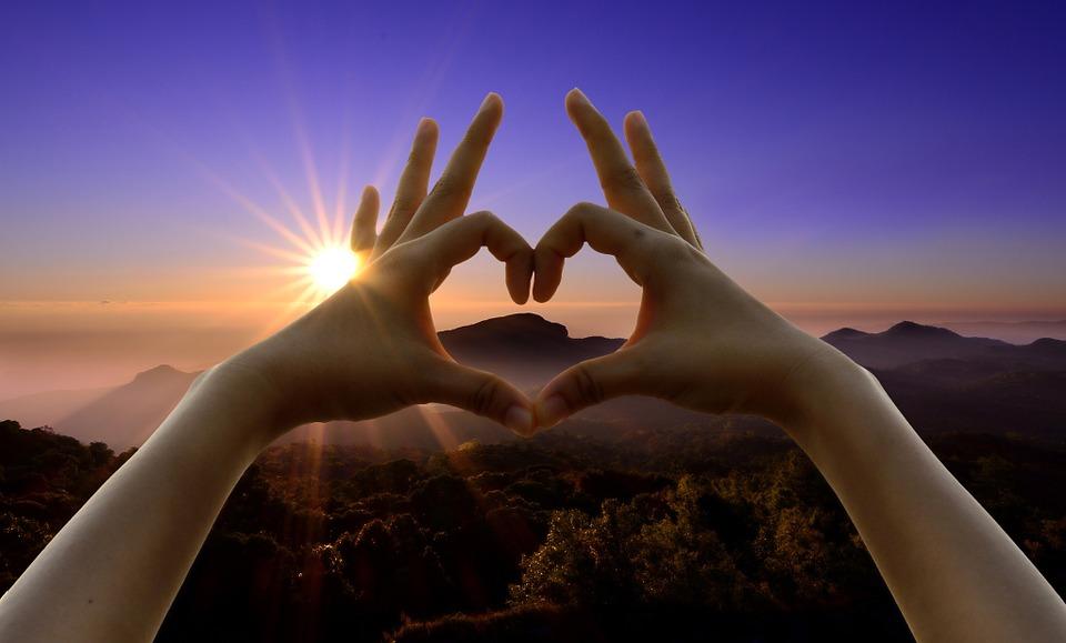 12 biztos jele annak, hogy fülig szerelmes vagy