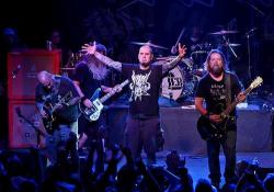 A brit rocklista élén az amerikai Down metal banda