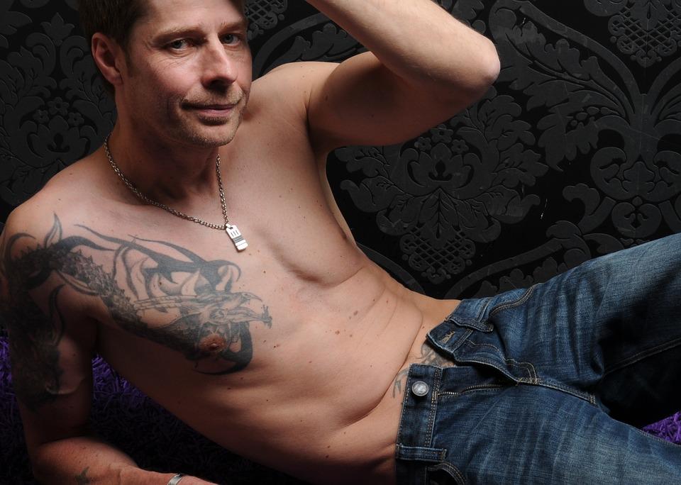 10 erogén zóna a férfi testén