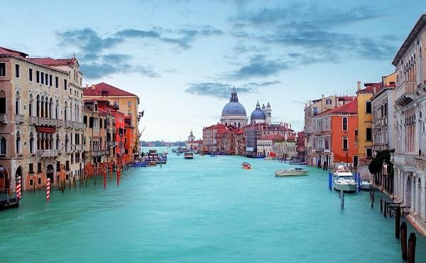 Casanova kedvence, a női gondolás! - irány Velence az easyJet új járataival