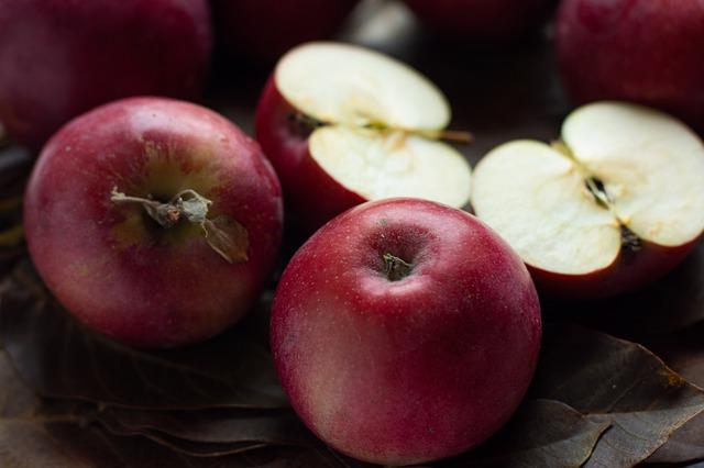 Karamellás almaleves szegfűborssal bolondítva