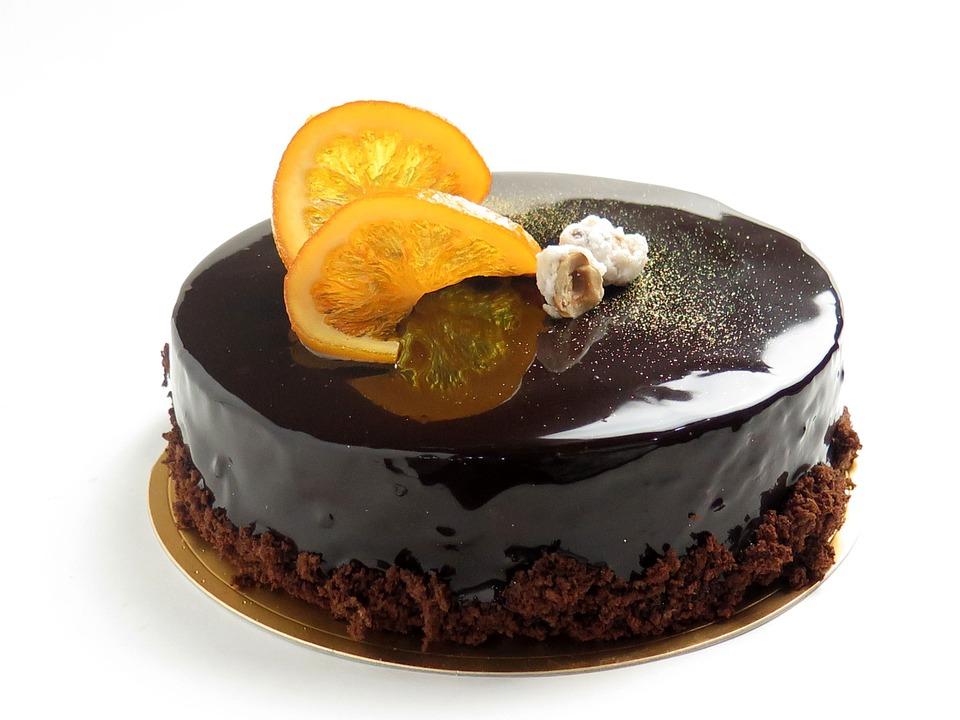 Borkrémes-csokis gyümölcstorta