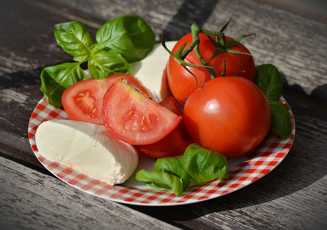 Joghurtos olaszos saláta