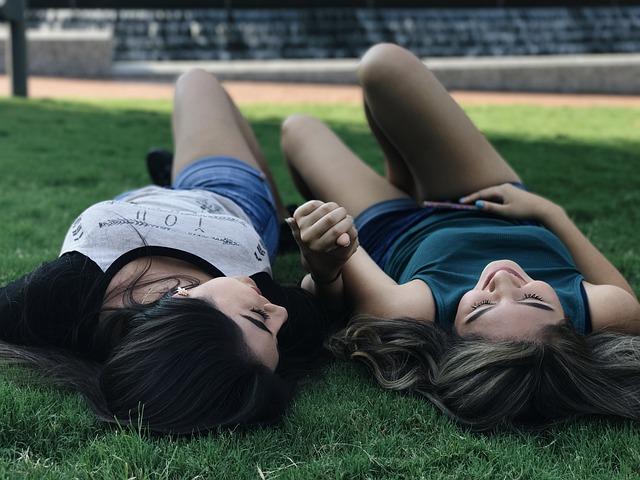 Barátság, haver, vagy szerelem? - Kapcsolataink a 11. ház alapján