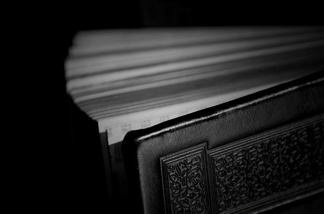 Ártó varázskönyvek: fekete biblia, fekete sárkány, a sátán bibliája és más legendás kalendáriumok