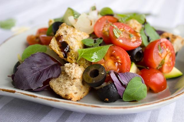 Pirítós saláta