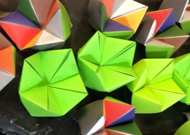 Jövendőmondás origamival - sótartó-jósda (Csiki-csuki, tátogató, vagy tátika)