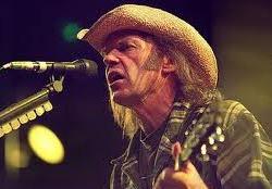 A Halhatatlan Aranyszívnek - Neil Young 66 éves
