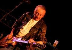Szerencsénkre nem lett dobos Stan Webb, Anglia virtuóz bluesgitárosa
