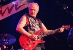 Elment Bugs Henderson, a legendás texasi gitáros