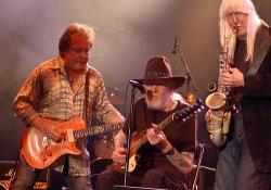 Utazó rock and blues fesztivál gitáros nagyágyúkkal