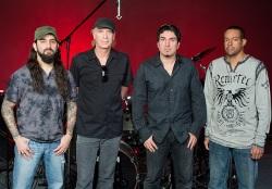A rock virtuózai jönnek a Pecsa Music Hallba