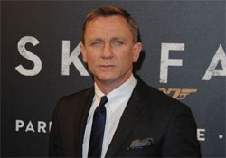Daniel Craig is szerepel Clooney háborús drámájában
