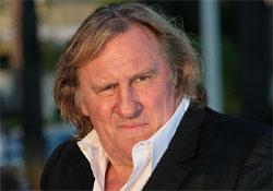 Depardieu Szocsiba érkezett, hogy átvegye orosz útlevelét
