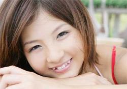 A vámpírfog az új divat a japán lányok körében