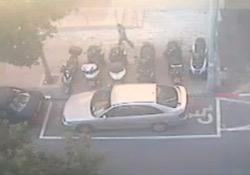 Mozgássérültté festettek egy parkolóhelyet egy kocsi körül, majd büntettek