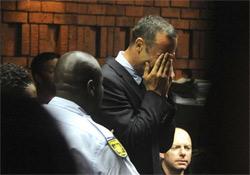 Pistorius zokogott, elnapolták a bírósági tárgyalást