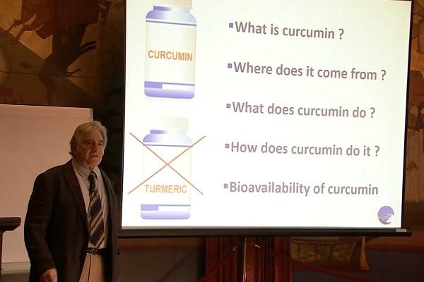 Angliai professzor lerántja a leplet:  a rákos sejteknek van ellenszere!