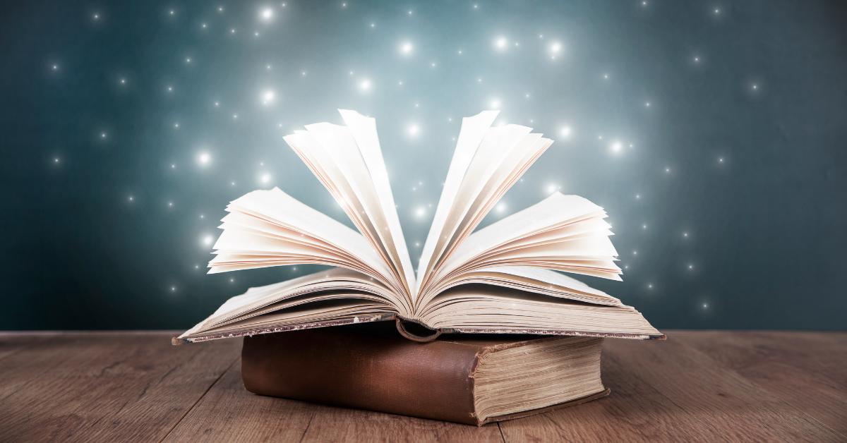 Könyvjóslás - minden könyvben több van, mint szavak összessége!
