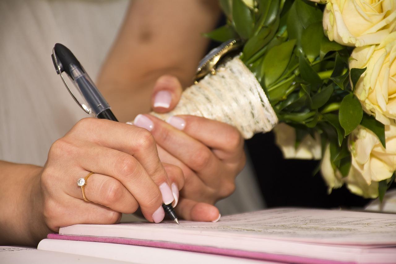 Biztos, ami biztos: egyre többen kötnek házassági szerződést
