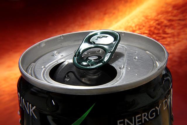 Az energiaitalok veszélyesek - a gyerekekre különösen